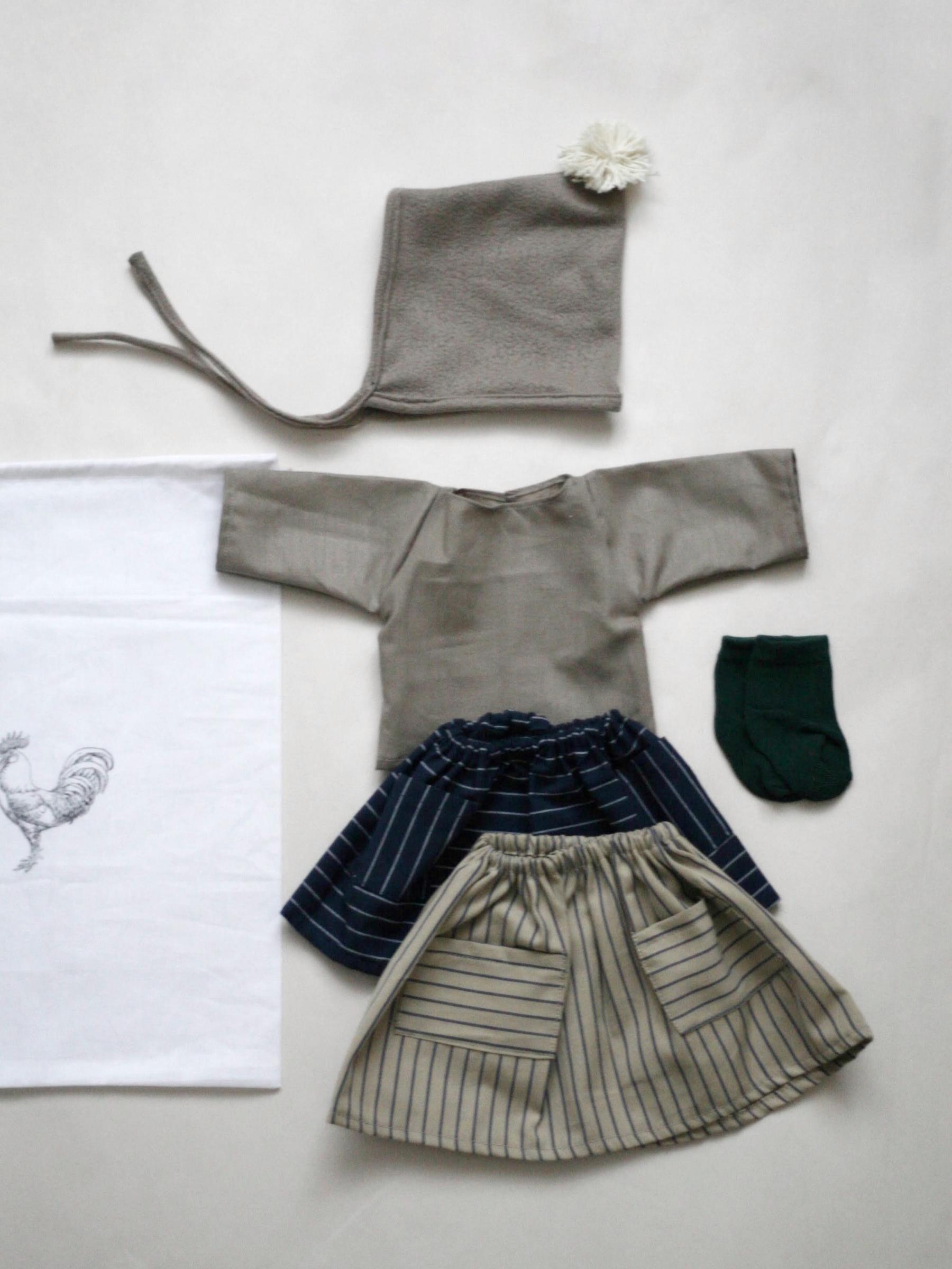 Set oblečení pro menší panenku B