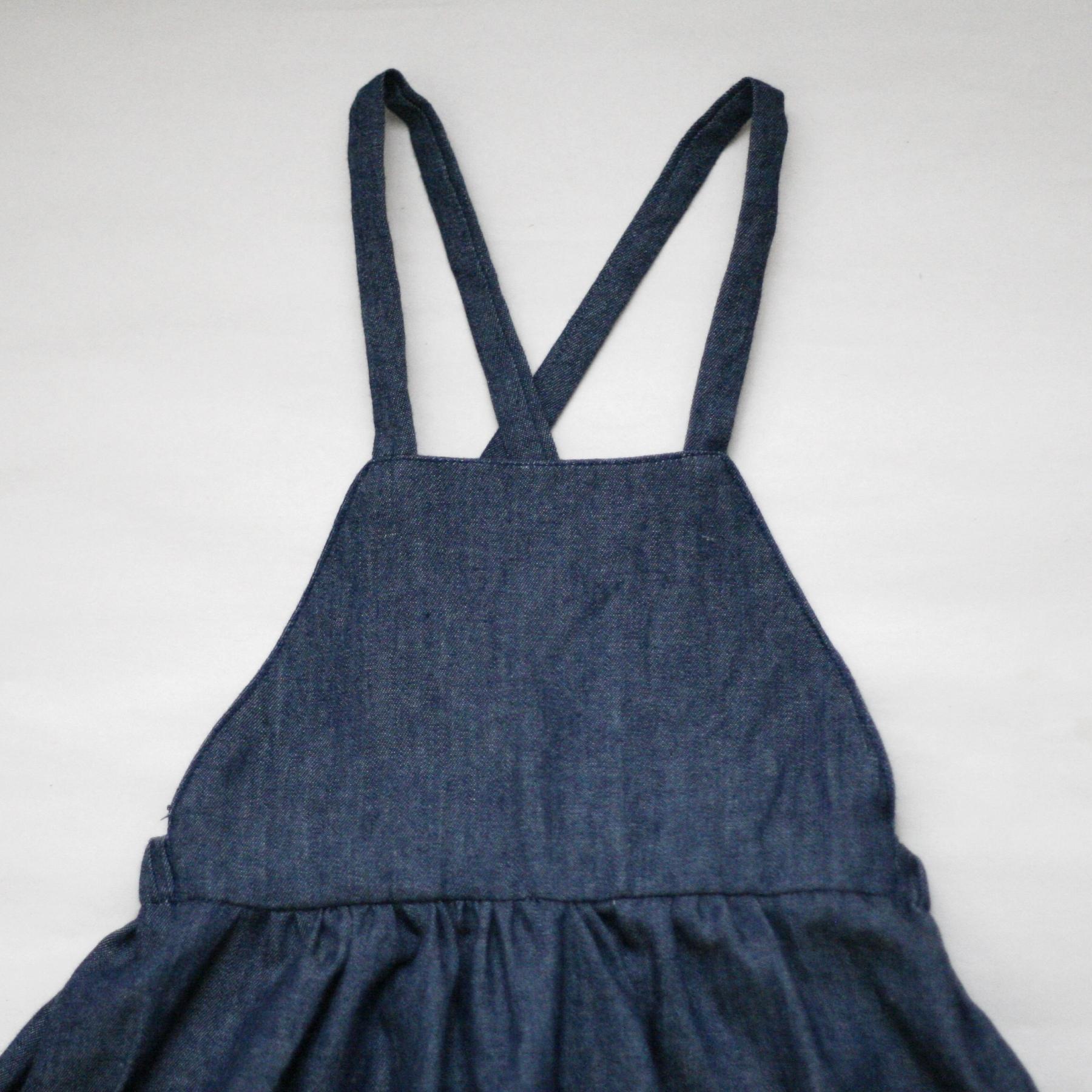 Denimová sukně s laclem
