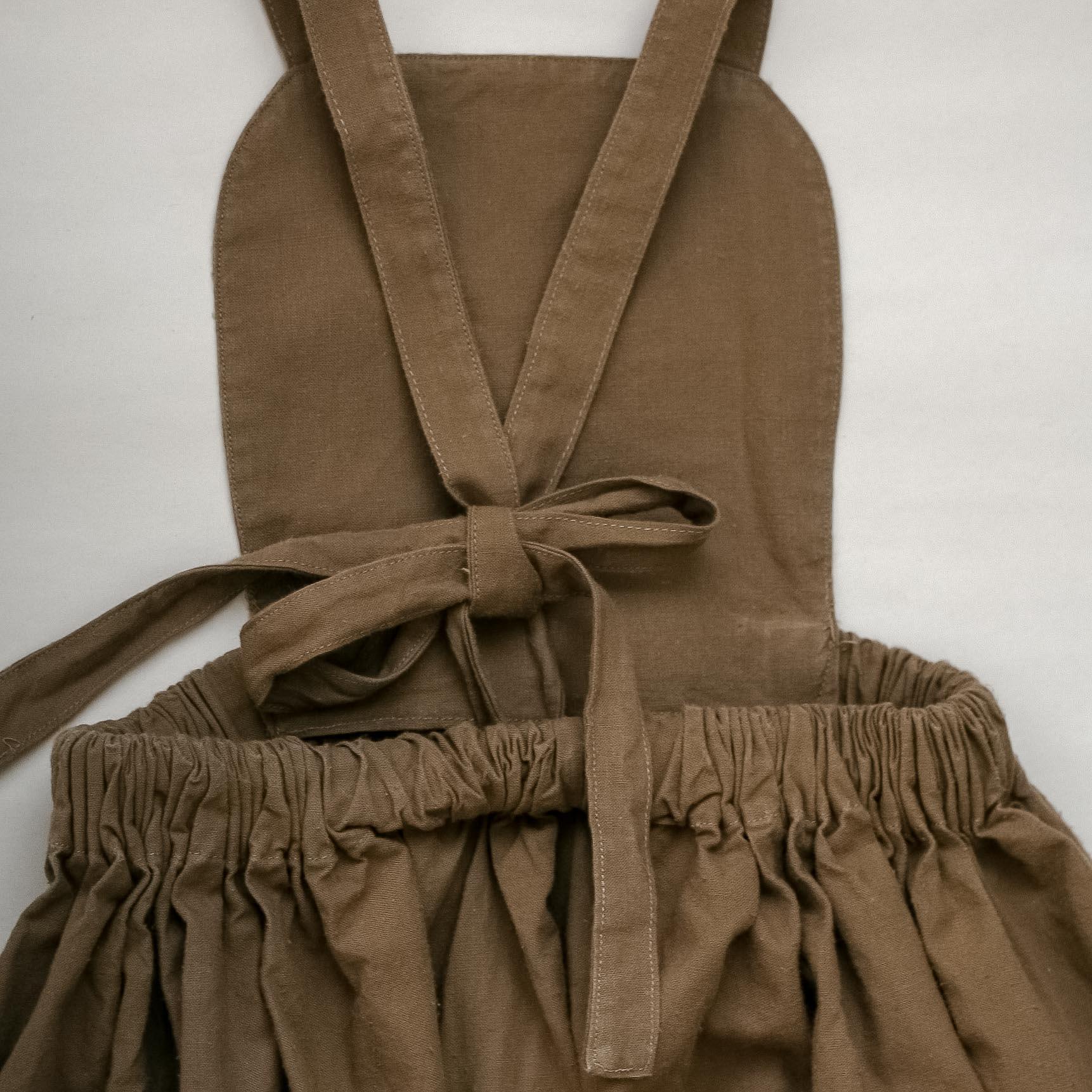 Bavlněná sukně s laclem