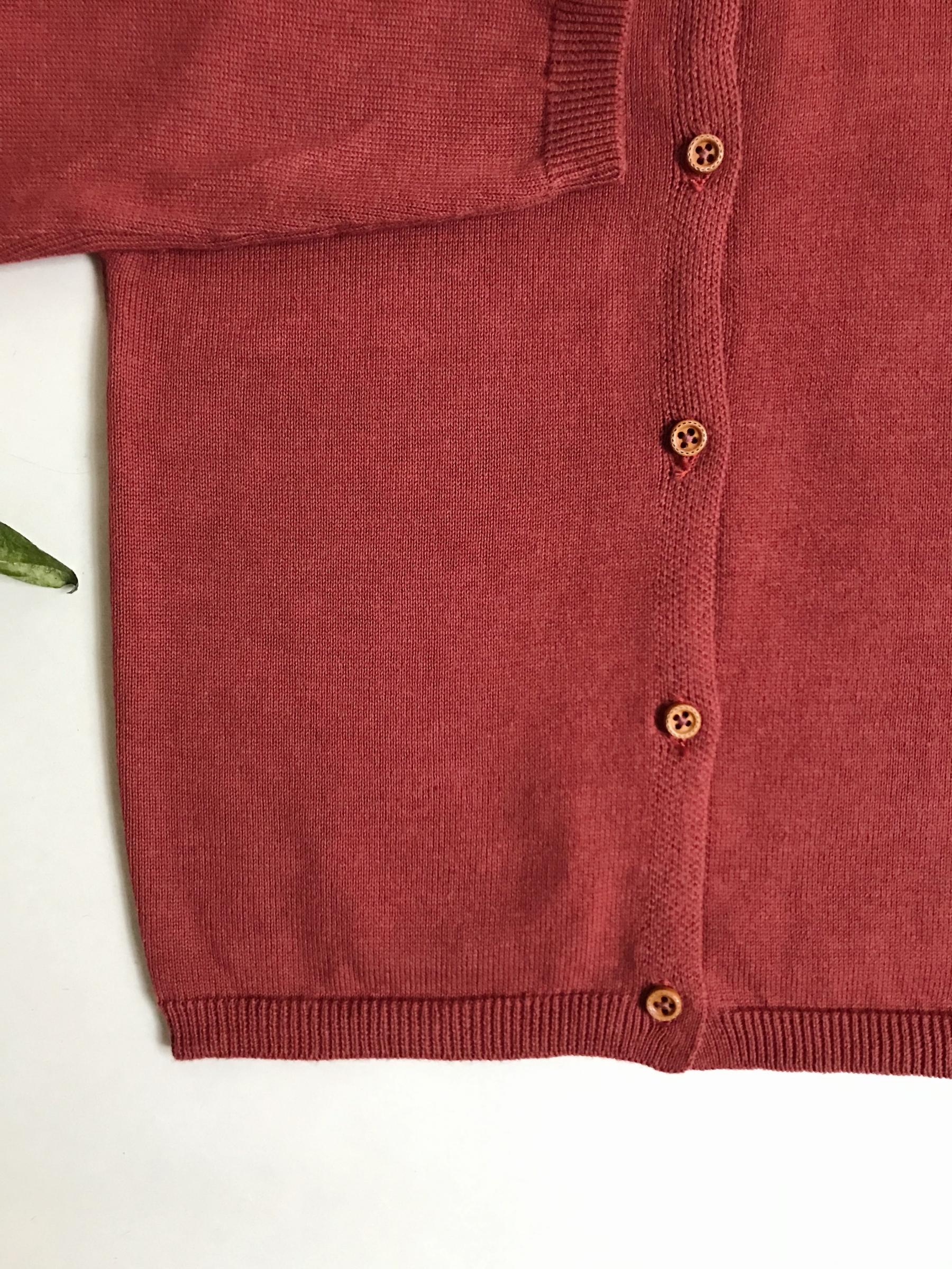 Staročervený svetřík